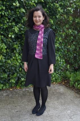 May 11th: Black Cats dress, Kirschjoghurtlöffelspaß scarf