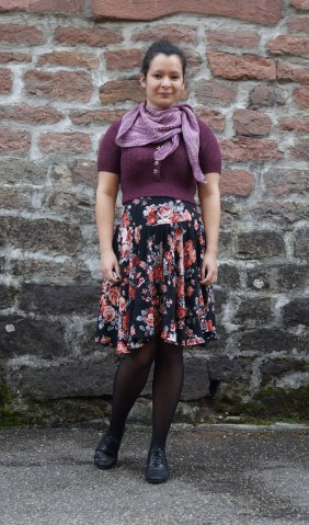 """""""Pour quelques jours"""" Skirt, Made So Quickly jumper, Tatra Utca shawl"""